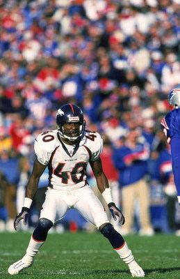 24 Oct 1999: Dale Carter #40 of the Denver Broncos moves on the field during a game against the New England Patriots at the Foxboro Stadium in Foxboro, Massachusetts. The Patriots defeated the Broncos 24-23. Mandatory Credit: Harry How  /Allsport