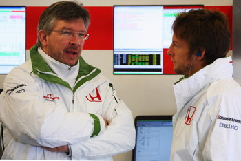 BARCELONA, SPAIN - NOVEMBER 19:   Jenson Button of Great Britain and team Honda chats to technical director Ross Brawn during day three of Formula One Testing at the Circuit de Catalunya on November 19, 2008 in Barcelona, Spain.  (Photo by Mark Thompson/G