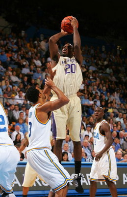 WESTWOOD, CA - FEBRUARY 19:  Quincy Pondexter #20 of the Washington Huskies goes up for the jump shot against Josh Shipp #3 of the UCLA Bruins in the first half during their NCAA basketball game at Pauley Pavilion February 19, 2009 in Westwood, California