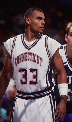 29 Nov 1994: UCONN FORWARD DONNY MARSHALL DURING THE HUSKIES 90-86 WIN OVER DUKE UNIVERSITY.
