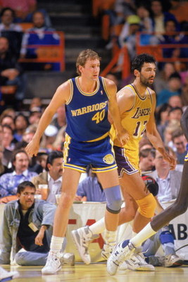 1989:  Chris Welp #40 of the Golden State Warriors moves into position against the Los Angeles Lakers during an NBA game in the 1989-90 season. NOTE TO USER: User expressly acknowledges and agrees that, by downloading and/or using this Photograph, User is