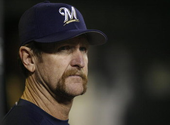 ST. LOUIS, MO - SEPTEMBER 29:    Bench coach Robin Yount #19 of the Milwaukee Brewers watches his team play the St. Louis Cardinals at Busch Stadium on September 29, 2006 in St. Louis, Missouri.   The Cards beat the Brewers 10-5.  (Photo by Dilip Vishwana