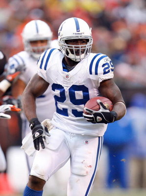 CLEVELAND - NOVEMBER 30:  Joseph Addai #29 of the Indianapolis Colts runs with the ball during their NFL game against the Cleveland Browns on November 30, 2008 at Cleveland Browns Stadium in Cleveland, Ohio. The Colts defeated the Browns 10-6.  (Photo by