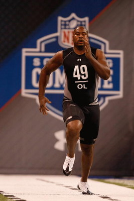 INDIANAPOLIS, IN - FEBRUARY 21:  Offensive lineman Jason Smith of Baylor runs the 40 yard dash during the NFL Scouting Combine presented by Under Armour at Lucas Oil Stadium on February 21, 2009 in Indianapolis, Indiana. (Photo by Scott Boehm/Getty Images