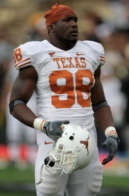 BOULDER, CO - OCTOBER 04:  Brian Orakpo #98 of the Texas Longhorns warms up prior to facing the Colorado Buffaloes at Folsom Field on October 4, 2008 in Boulder, Colorado. Texas defeated Colorado 38-14.  (Photo by Doug Pensinger/Getty Images)