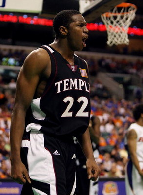 SUNRISE, FL - DECEMBER 29:  Dionte Christmas #22 of the Temple Owls celebrates after hitting a basket while being fouled against the Florida Gators in the Orange Bowl Basketball Classic at Bank Atlantic Center on December 29, 2007 in Sunrise, Florida. Flo