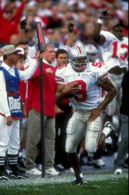 31 Oct 1998:  Split end David Boston #9 of the Ohio State Buckeyes in action during the game against the Indiana Hoosiers at the Memorial Stadium in Bloomington, Indiana. The Buckeyes defeated the Hoosiers 38-7.