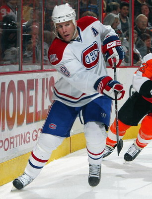 PHILADELPHIA - FEBRUARY 27:  Mike Komisarek #8 of the Montreal Canadiens skates against the Philadelphia Flyers on February 27, 2009 at Wachovia Center in Philadelphia, Pennsylvania. The Habs defeated the Flyers 4-3 in overtime.  (Photo by Jim McIsaac/Get