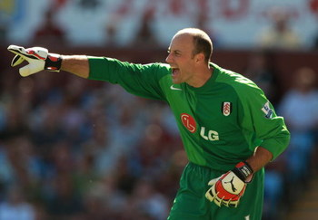 BIRMINGHAM, UNITED KINGDOM - AUGUST 25: Kasey Keller of Fulham shouts during the Barclays Premier League match between Aston Villa and Fulham at Villa Park on August 25, 2007 in Birmingham, England.  (Photo by Phil Cole/Getty Images)