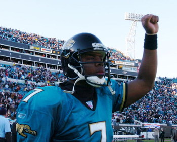 Jacksonville Jaguars quarterback Byron Leftwich raises his fist in victory  December 21, 2003 at Alltel Stadium, Jacksonville, Florida.The Jaguars defeated the  New Orleans Saints 20 - 19.  (Photo by Al Messerschmidt/Getty Images)