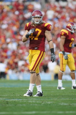 PASADENA, CA - DECEMBER 6:  Clay Matthews #47 of the USC Trojans looks on against the UCLA Bruins on December 6, 2008 at the Rose Bowl in Pasadena, California.  USC won 28-7.  (Photo by Jeff Golden/Getty Images)