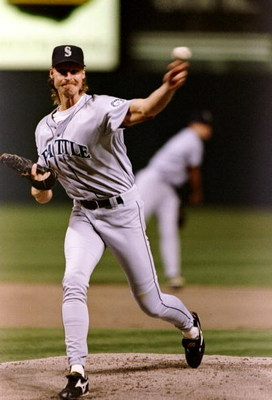 13 Oct 1995:  Pitcher Randy Johnson of the Seattle Mariners throws the ball during a game against the Cleveland Indians at Jacobs Field in Cleveland, Ohio.  The Mariners won the game 5-2. Mandatory Credit: Jed Jacobsohn  /Allsport