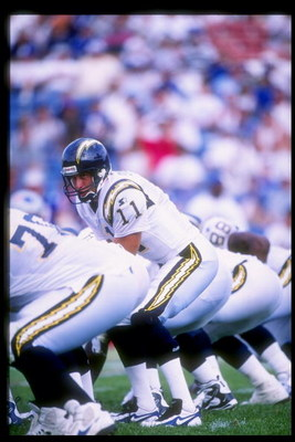 31 Aug 1997:  Quarterback Jim Everett of the San Diego Chargers stands behind center during a game against the New England Patriots at Foxboro Stadium in Foxboro, Massachusetts.  The Patriots won the game, 41-7. Mandatory Credit: Tomasso DeRosa  /Allsport