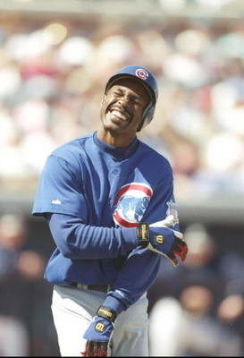 5 Mar 1997:  Shortstop Shawon Dunston of the Chicago Cubs holds his arm during a preseason game against the Seattle Mariners at the Peoria Sports Complex in Peoria, Arizona. Mandatory Credit: Jed Jacobsohn  /Allsport