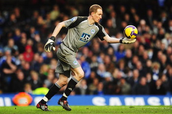 LONDON - FEBRUARY 28:  Chris Kirkland the Wigan Athletic goalkeeper in action during the Barclays Premier League match between Chelsea and Wigan Athletic at Stamford Bridge on February 28, 2009 in London, England.  (Photo by Mike Hewitt/Getty Images)