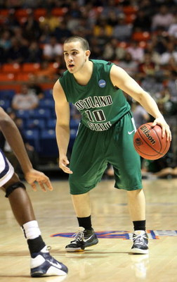BOISE, ID - MARCH 20:  Guard Jeremiah Dominguez #10 of the Portland State Vikings looks to drive the ball against the Xavier Musketeers during the first round of the NCAA Division I Men's Basketball Tournament at the Taco Bell Arena on March 20, 2009 in B