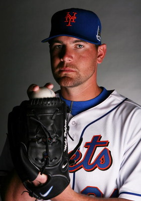 PORT SAINT LUCIE, FL - FEBRUARY 23:  Mike Pelfrey #34 of the New York Mets poses during photo day at Tradition Field on February 23, 2009 in Port Saint Lucie, Florida.  (Photo by Doug Benc/Getty Images)