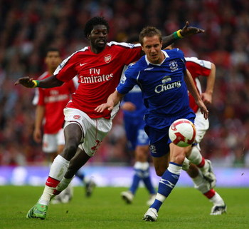 LONDON - OCTOBER 18:  Emmanuel Adebayor of Arsenal challenges by Jagielka of Everton during the Barclays Premier League match between Arsenal and Everton at Emirates Stadium on October 18, 2008 in London, England  (Photo by Mike Hewitt/Getty Images)