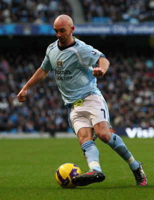 MANCHESTER, UNITED KINGDOM - DECEMBER 26:  Stephen Ireland of Manchester City in action during the Barclays Premier League match between Manchester City and Hull City at Eastlands on December 26, 2008 in Manchester, England.  (Photo by Clive Brunskill/Get