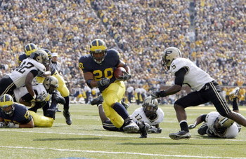 ANN ARBOR, MI - OCTOBER 13: Mike Hart #20 of the Michigan Wolverines carries the ball during the game against the Purdue Boilermakers on October 13, 2007 at Michigan Stadium in Ann Arbor, Michigan. (Photo By Gregory Shamus/Getty Images)