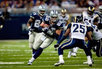 ST. LOUIS - OCTOBER 19:  Jason Witten #82 of the Dallas Cowboys runs with the ball against the St. Louis Rams during their NFL game at Edward Jones Dome on October 19, 2008 in St. Louis, Missouri.  The Rams defeated the Cowboys 34-14.  (Photo by Dilip Vis