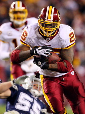 LANDOVER, MD - NOVEMBER 16:  Clinton Portis #26 of the Washington Redskins in action against the Dallas Cowboys on November 16, 2008 at FedEx Field in Landover, Maryland.  (Photo by Jim McIsaac/Getty Images)