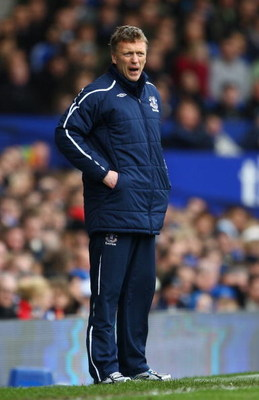 LIVERPOOL, UNITED KINGDOM - MARCH 14:  Everton's manager David Moyes looks on during the Barclays Premier League match between Everton and Stoke at Goodison Park on March 14, 2009 in Liverpool, England.  (Photo by Julian Finney/Getty Images)