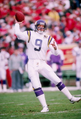 6 Jan 1990:  Quarterback Tommy Kramer of the Minnesota Vikings prepares to pass the ball during a game against the San Francisco 49ers at Candlestick Park in San Francisco, California.  The 49ers won the game 41-13. Mandatory Credit: Otto Greule  /Allspor
