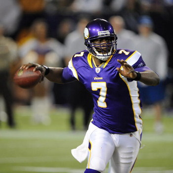 MINNEAPOLIS - DECEMBER 21:  Tarvaris Jackson #7 of the Minnesota Vikings passes the ball during an NFL game against the Atlanta Falcons at the Hubert H. Humphrey Metrodome, on December 21, 2008 in Minneapolis, Minnesota.  (Photo by Tom Dahlin/Getty Images