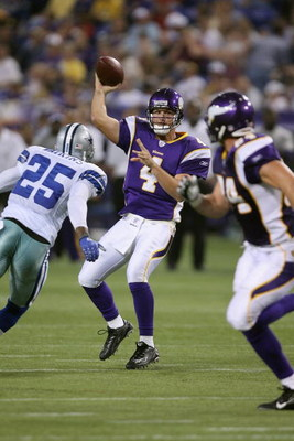 MINNEAPOLIS - AUGUST 30:  Tyler Thigpen #4 of the Minnesota Vikings passes under pressure from Pat Watkins #25 of the Dallas Cowboys on August 30, 2007 at the Metrodome in Minneapolis, Minnesota. The Vikings won 23-14. (Photo by David Sherman/Getty Images