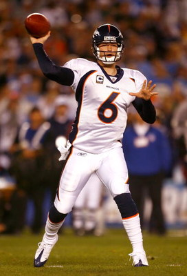 SAN DIEGO - DECEMBER 28:  Quarterback Jay Cutler #6 of the Denver Broncos throws a pass against the San Diego Chargers during the NFL game at Qualcomm Stadium on December 28, 2008 in San Diego, California.  (Photo by Jeff Gross/Getty Images)