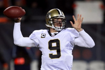 CHICAGO - DECEMBER 11:  Drew Brees #9 of the New Orleans Saints throws a pass against the Chicago Bears at Soldier Field on December 11, 2008 in Chicago, Illinois.  (Photo by Jonathan Daniel/Getty Images)
