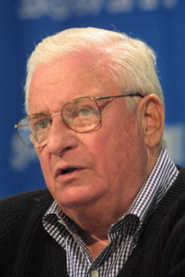 25 Jan 2001:  Owner Art Modell of the Baltimore Ravens speaks during the Ravens press conference at the Hyatt Regency Hotel in Tampa, Florida.  DIGITAL IMAGE. Mandatory Credit: Andy Lyons/ALLSPORT