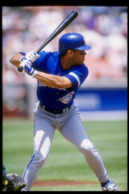 8 Jul 1995:  Second baseman Roberto Alomar of the Toronto Blue Jays stands in the batters box during a game against the Oakland Athletics at the Oakland Coliseum in Oakland, California.  The Blue Jays won the game 9-6. Mandatory Credit: Jed Jacobsohn  /Al