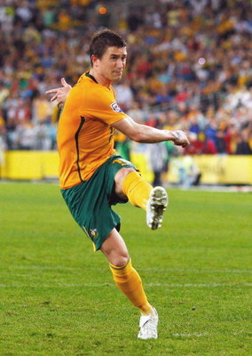 SYDNEY, AUSTRALIA - APRIL 01:  Harry Kewell of the Socceroos scores from the penalty spot during the 2010 FIFA World Cup qualifying match between the Australian Socceroos and Uzbekistan at ANZ Stadium on April 1, 2009 in Sydney, Australia.  (Photo by Came