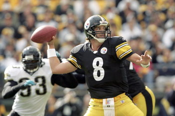PITTSBURGH - OCTOBER 16: Tommy Maddox #8 of the Pittsburgh Steelers passes against the Jacksonville Jaguars on October 16, 2005 at Heinz Field in Pittsburgh, Pennsylvania. (Photo by Nick Laham/Getty Images)