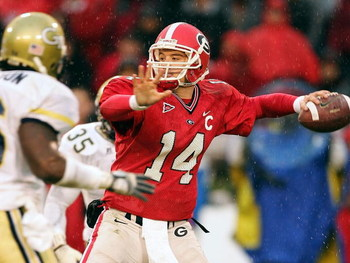 ATHENS, GA - NOVEMBER 27:  Quarterback David Greene #14 of the Georgia Bulldogs looks upfield to pass against Georgia Tech during the game on November 27, 2004 at Sanford Stadium in Athens, Georgia.  (Photo by Scott Halleran/Getty Images)