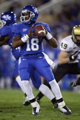 LEXINGTON, KY - NOVEMBER 15:  Randall Cobb #18 of the Kentucky Wildcats drops back to pass during the game against the Vanderbilt Commodores on November 15, 2008 at Commonwealth Stadium in Lexington, Kentucky.  (Photo by Andy Lyons/Getty Images)