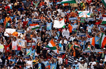 AUCKLAND, NEW ZEALAND - MARCH 14:  Indian fans show their support during the fifth one day international match between the New Zealand Black Caps and India at Eden Park on March 14, 2009 in Auckland, New Zealand.  (Photo by Hannah Johnston/Getty Images)