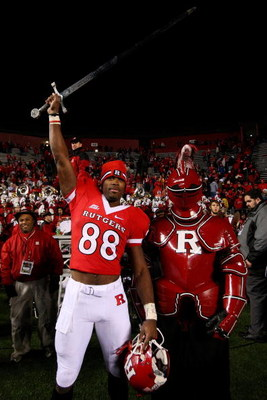 PISCATAWAY, NJ - DECEMBER 04:  Kenny Britt #88 of the Rutgers Scarlet Knights celebrates victory over the Louisville Cardinals at Rutgers Stadium on December 4, 2008 in Piscataway, New Jersey.  (Photo by Jim McIsaac/Getty Images)