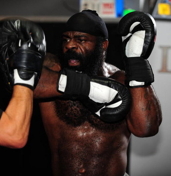 LOS ANGELES, CA - SEPTEMBER 17:  MMA Heavyweight Sensation Kimbo Slice is seen during the Workout/Media Day with Kimbo Slice and Gina Carano at the Legends Mixed Martial Arts Training Center on September 17, 2008 in Los Angeles, California.  (Photo by Rob
