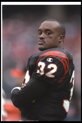 24 Nov 1996: Running back Ki-Jana Carter of the Cincinnati Bengals during the Bengals 41-31victory over the Atlanta Falcons at Cinergy Field in Cincinnati, Ohio.