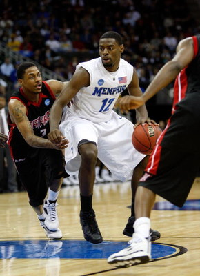 KANSAS CITY, MO - MARCH 19:  Tyreke Evans #12 of the Memphis Tigers dribbles the ball against Mark Hill #3 of the CSUN Matadors during the first round of the NCAA Division I Men's Basketball Tournament at the Sprint Center on March 19, 2009 in Kansas City