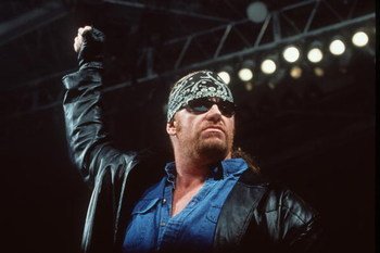 370782 04: World Wrestling Federation's Wrestler Undertaker Poses June 2000 In Los Angeles, Ca.  (Photo By Getty Images)