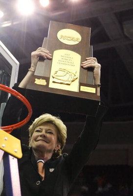 CLEVELAND - APRIL 03:  Head coach Pat Summitt of the Tennessee Lady Volunteers celebrates with the trophy after after Tennessee's 59-46 win against the Rutgers Scarlet Knights to win the 2007 NCAA Women's Basketball Championship Game at Quicken Loans Aren
