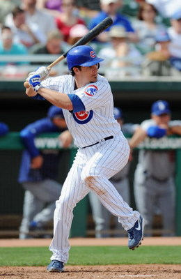 MESA, AZ - MARCH 06:   Ryan Theriot #2 of the Chicago Cubs bats during a Spring Training game against the Los Angeles Dodgers at HoHoKam Park on March 6, 2009 in Mesa, Arizona.  (Photo by Lisa Blumenfeld/Getty Images)