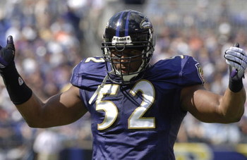 Baltimore Ravens linebacker Ray Lewis pumps up the crowd versus the San Diego Chargers at M&T Bank Stadium, Baltimore, Maryland, October 1, 2006. The Ravens won 16-13.  (Photo by Al Messerschmidt/Getty Images)