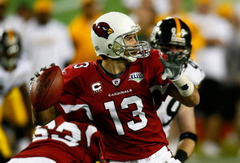 TAMPA, FL - FEBRUARY 01:  Quarterback Kurt Warner #13 of the Arizona Cardinals drops back to pass against the Pittsburgh Steelers in Super Bowl XLIII on February 1, 2009 at Raymond James Stadium in Tampa, Florida.  (Photo by Win McNamee/Getty Images)