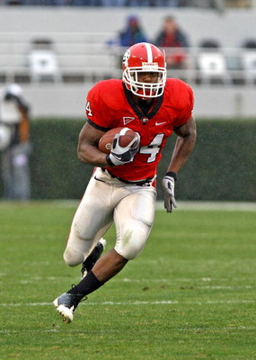 ATHENS, GA - NOVEMBER 29:  Running back Knowshon Moreno #24 of the Georgia Bulldogs ran for 97 yards and a touchdown during the game against the Georgia Tech Yellow Jackets at Sanford Stadium on November 29, 2008 in Athens, Georgia.  The Yellow Jackets be
