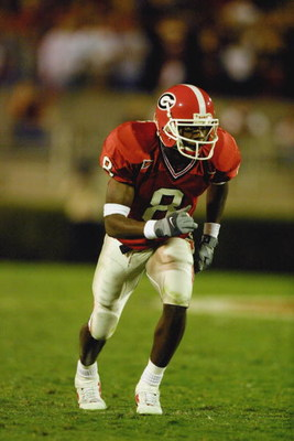ATHENS, GA - NOVEMBER 10:  Wide receiver Terrence Edwards #8 of the Georgia Bulldogs runs down the field during the SEC football game against the Auburn Tigers on November 10, 2001 at Sanford Stadium in Athens, Georgia. Auburn won 24-17.  (Photo by Scott